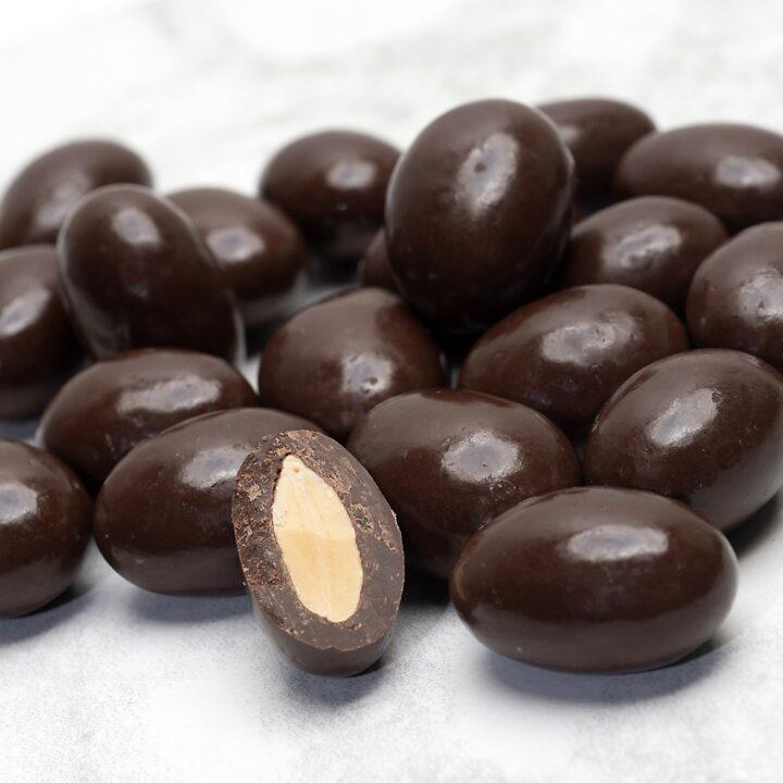 Chocolate Country Dark chocolate coated almonds