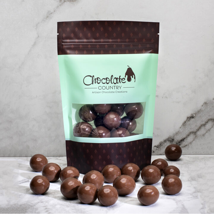Chocolate Country Milk chocolate coated macadamias