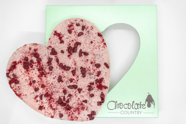 Chocolate Country Large 250 g White Belgian Chocolate with Freeze Dried Strawberries